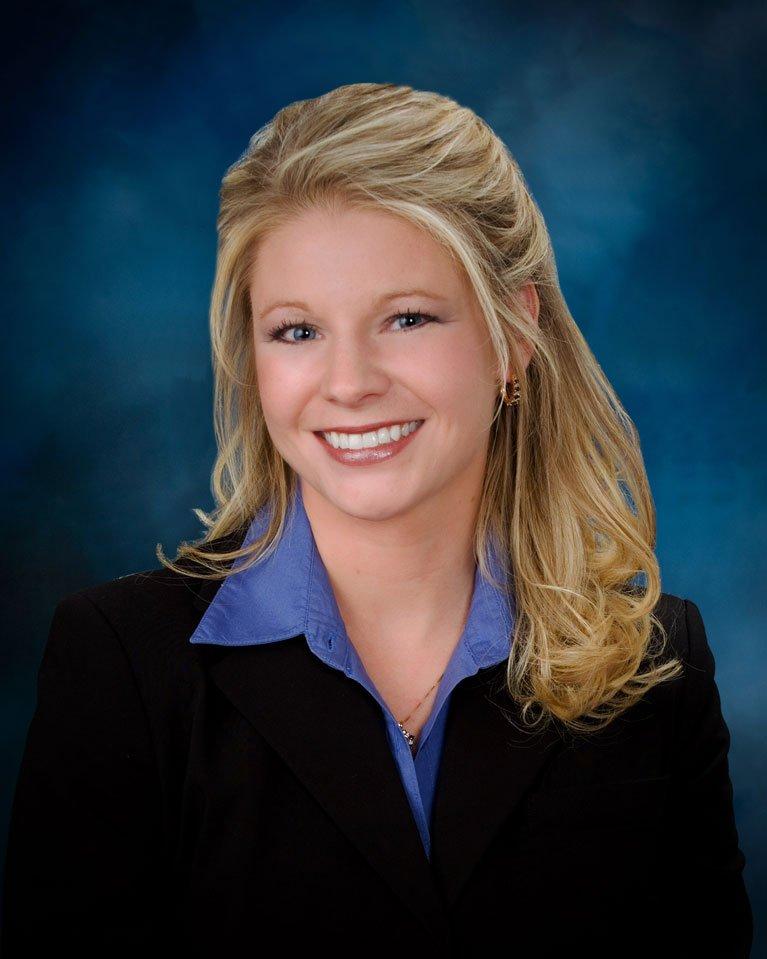 Lori Adell headshot